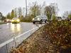 Den smala kanten mellan asfalten och buskarna i Rökerirondellen kan inte rensas för hand på grund av trafikfaran. Därför sprutas det kritiserade ogräsgiftet glyfosat, verksam substans i bland annat Roundup, två gånger per år i alla rondeller och i Godby.