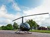 Helikopterturerna är mycket populära och kring var tionde minut landar den för att lämna av och fylla på med nya passagerare.