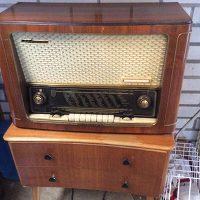 Radio/skivspelare, radiobord